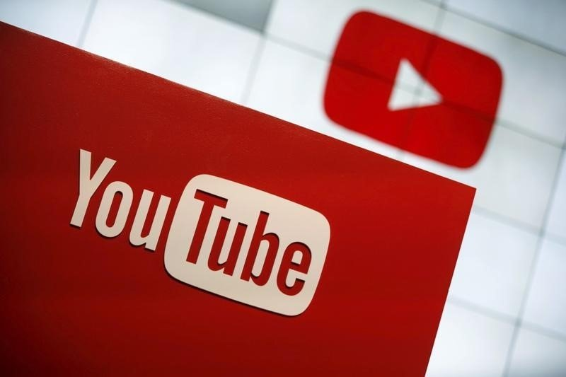 youtube-planning-online-tv-service-bloomberg