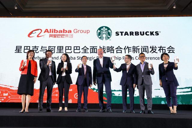 스타벅스의 개전 선언 ... 중국 커피 체인 업계서 벌어지는 신유통 전쟁