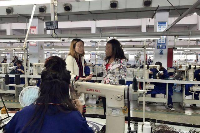"""""""고급형 제품은 루이 비통 가격에 팔린다"""" 쥐안청에서 살펴본 중국 가발 산업"""