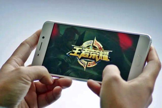"""[중국 비즈니스 트렌드&동향] """"게임은 정신적 아편"""" 중국 관영 통신 한 마디에 전세계 게임주 일제히 하락"""